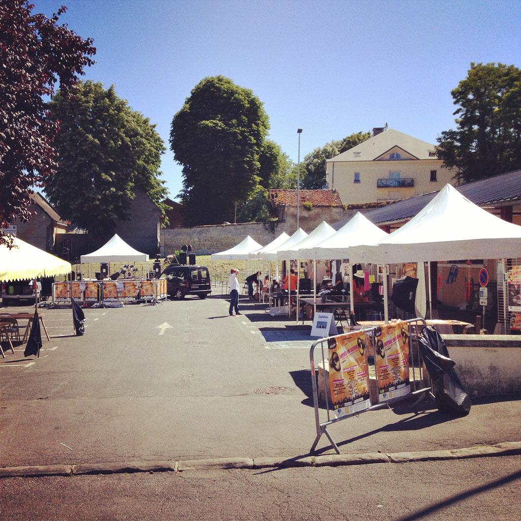 parking festival pont sainte maxence région artiste