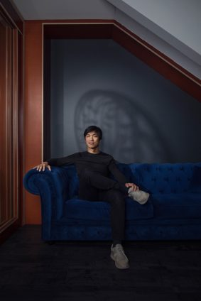 Portrait de Ning Li fondateur de Made.com dans ses locaux à Paris